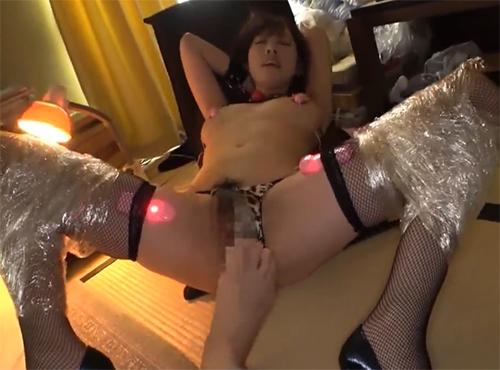拘束したおばさん人妻を遠隔ローターで調教セックスアダルトビデオ動画
